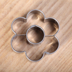 Koekjes uitsteekvormpje -  Bloem met hart 3.5cm