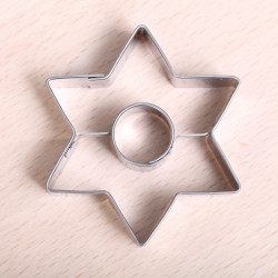 Cookie cutter Star with hole