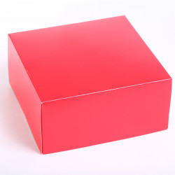 Bundt & cake box red