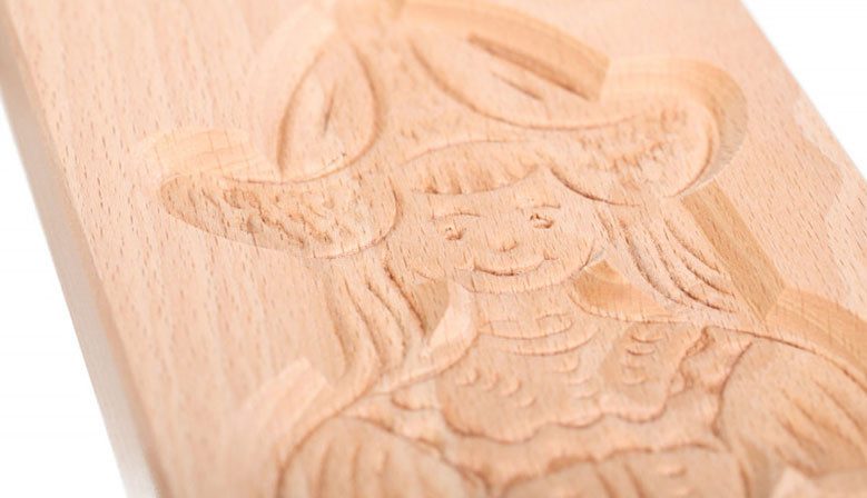 Cookie mold Girl from Volendam beech wood