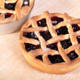 Kersenvlaaitjes - small cherry pies