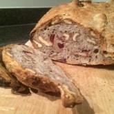 Alfred - muesli brood met cranberries en walnoten - eerste keer gemaakt met walnoten van eigen oogst