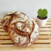 Myriam - A heart for sourdoughbread 01