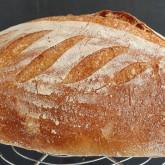 Andrea - Het geluid van vers zelfgebakken brood.. en een foto van het brood - Pain rustique