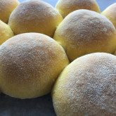 Sjoukje Bouma - Fluffy 'overnight' buns with pumpkin