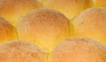Fluffy 'overnight' buns with pumpkin