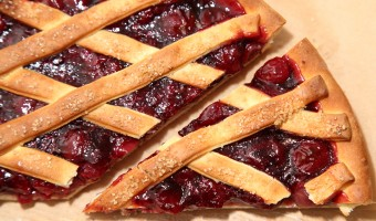 'Kersenvlaai': A Very Cherry Pie with Bread Dough