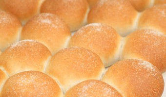 Recipe for fluffy white buns using diastatic malt